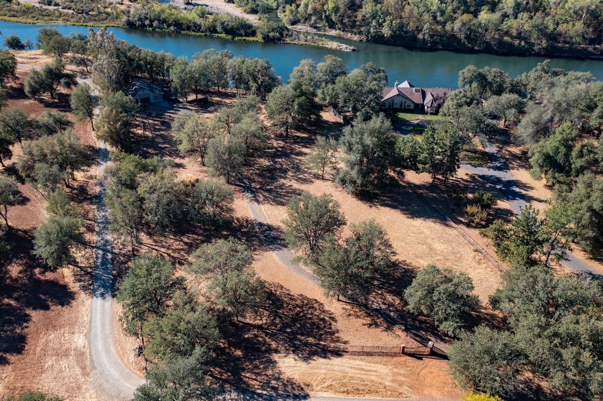 Photo of 6286 Park Ridge Dr, Anderson, CA 96007 (MLS # 21-4859)
