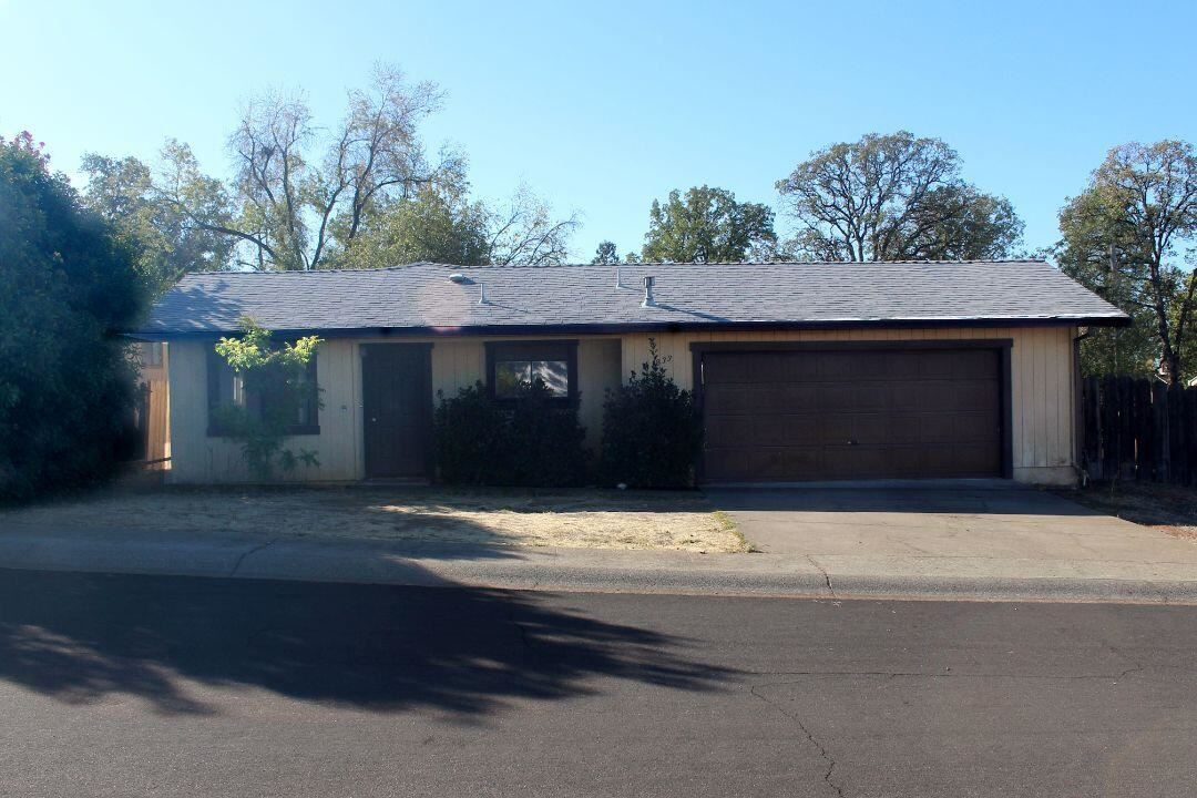 Photo of 1833 Cedarwood Dr, Redding, CA 96002 (MLS # 21-4871)