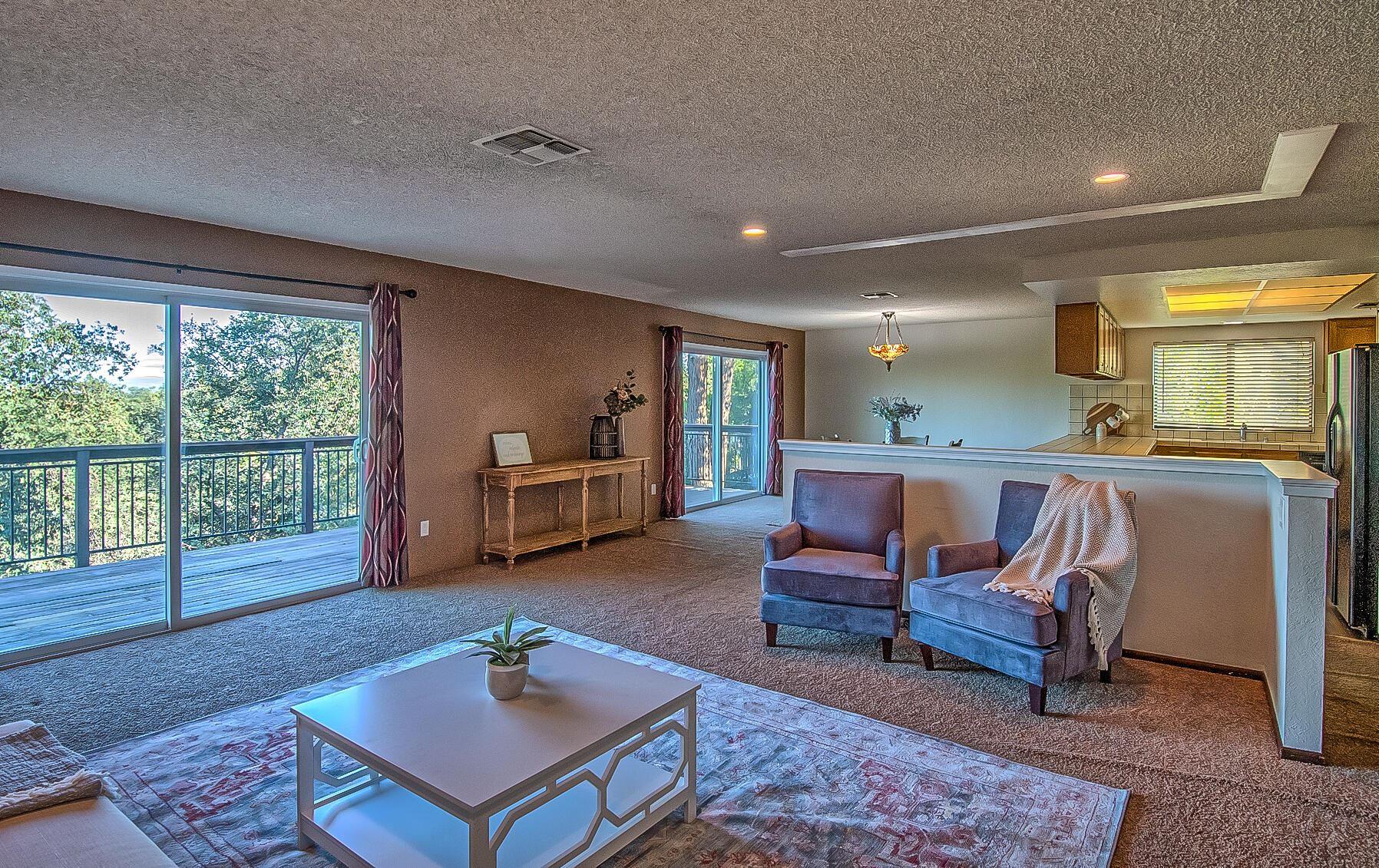 Photo of 2215 Oak Ridge Dr, Redding, CA 96001 (MLS # 21-4873)