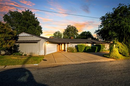 Photo of 21625 Mayfair Dr, Red Bluff, CA 96080 (MLS # 21-2878)