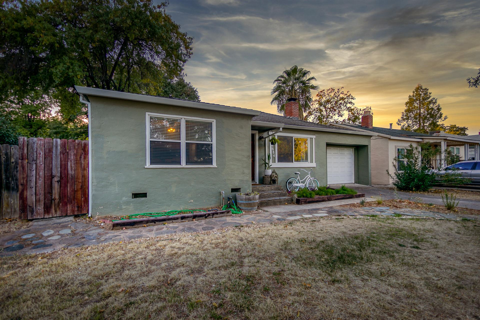 Photo of 4684 Harrison Ave, Redding, CA 96001 (MLS # 21-4889)
