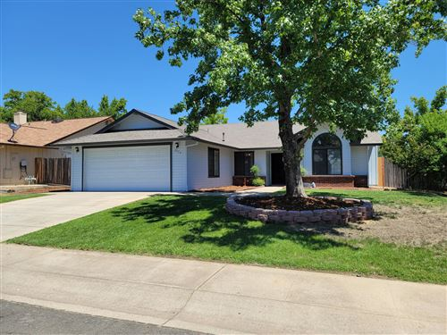 Photo of 2553 Candlewood Dr, Redding, CA 96003 (MLS # 21-2891)