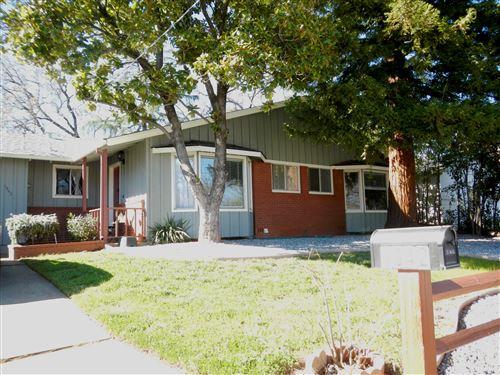 Photo of 1942 Lindeena Ln, Redding, CA 96002 (MLS # 21-893)