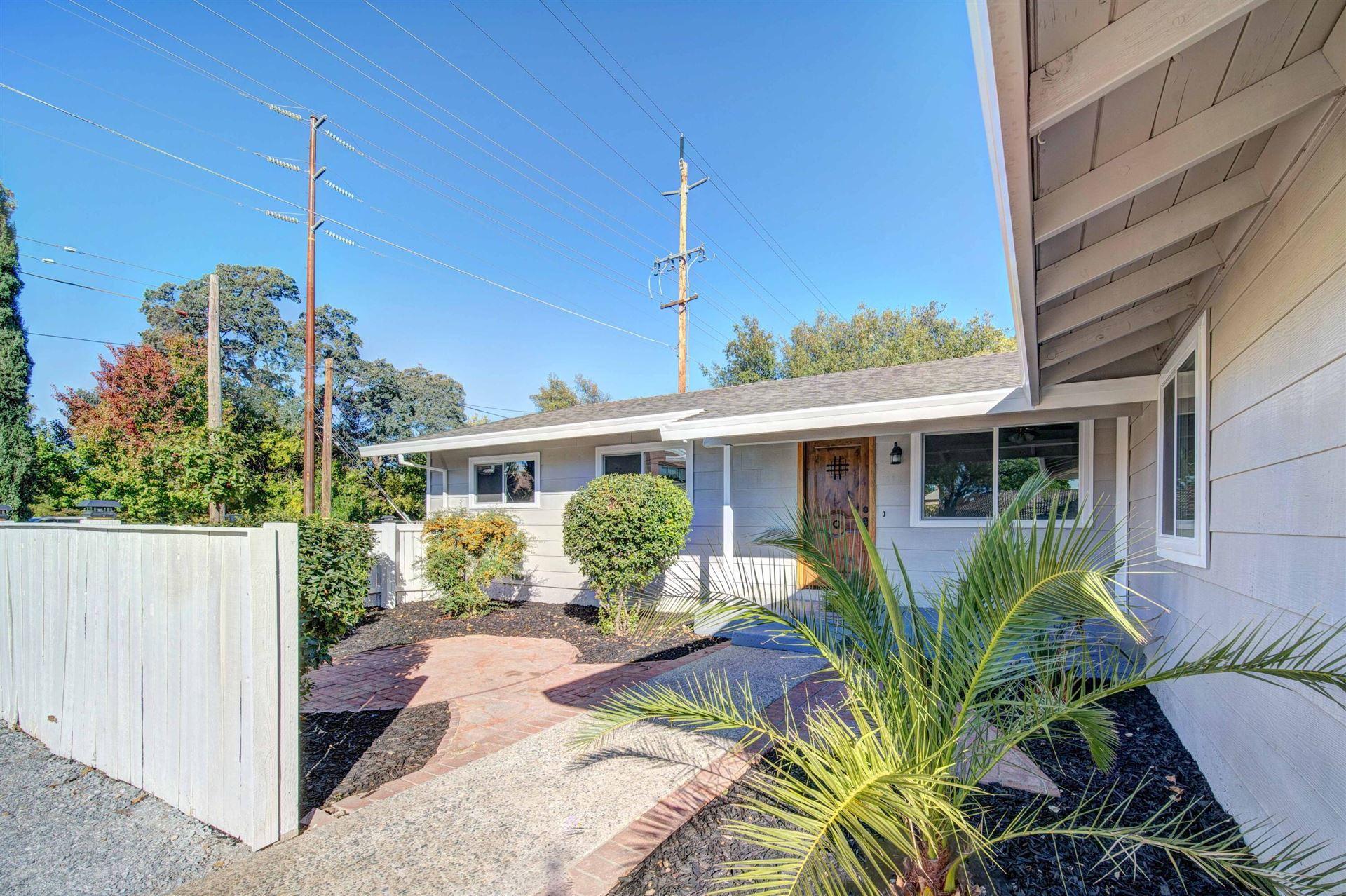 Photo of 1018 Pineland Dr, Redding, CA 96002 (MLS # 21-4896)