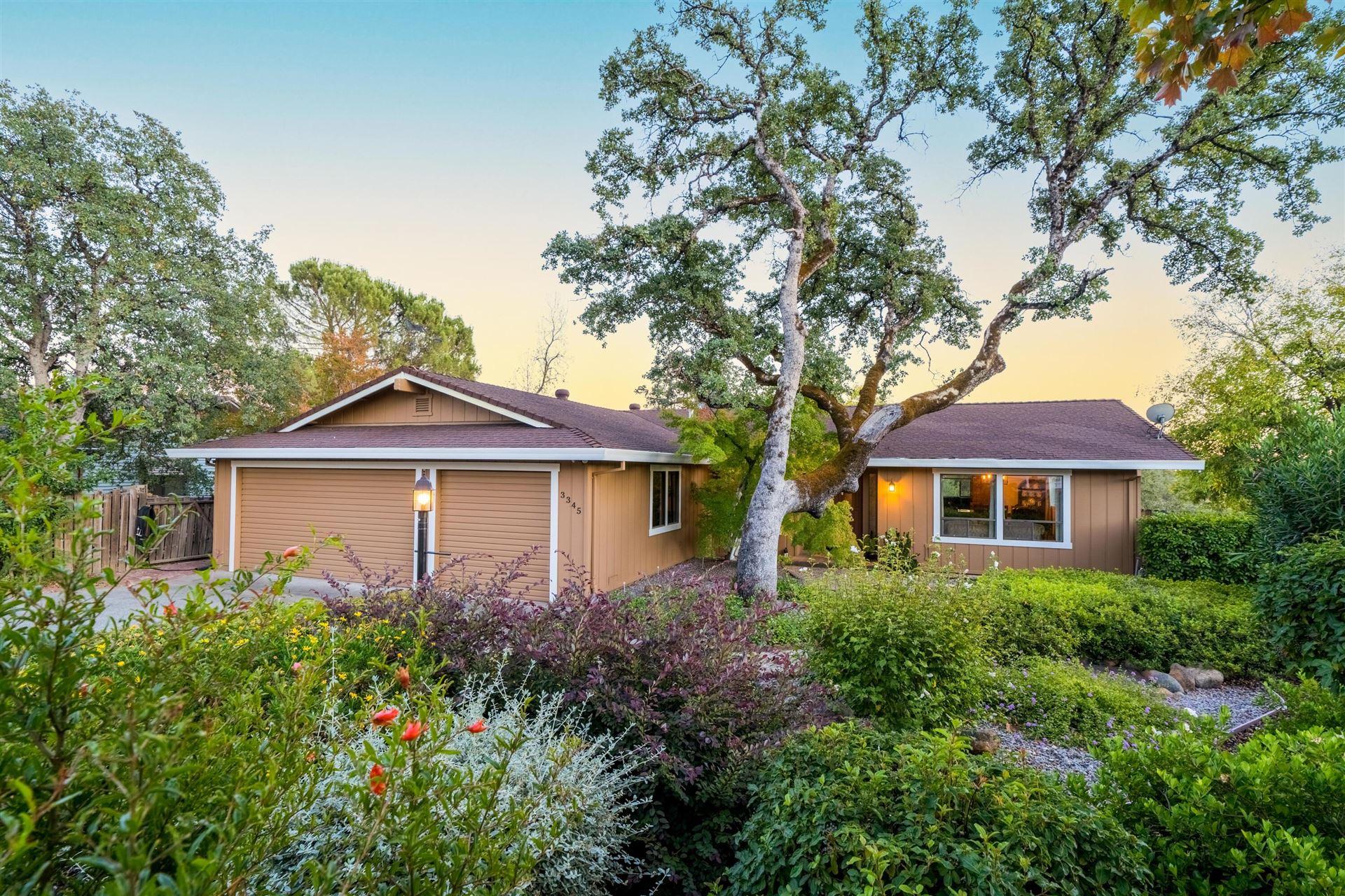 Photo of 3345 Golden Heights Dr, Redding, CA 96003 (MLS # 21-4899)