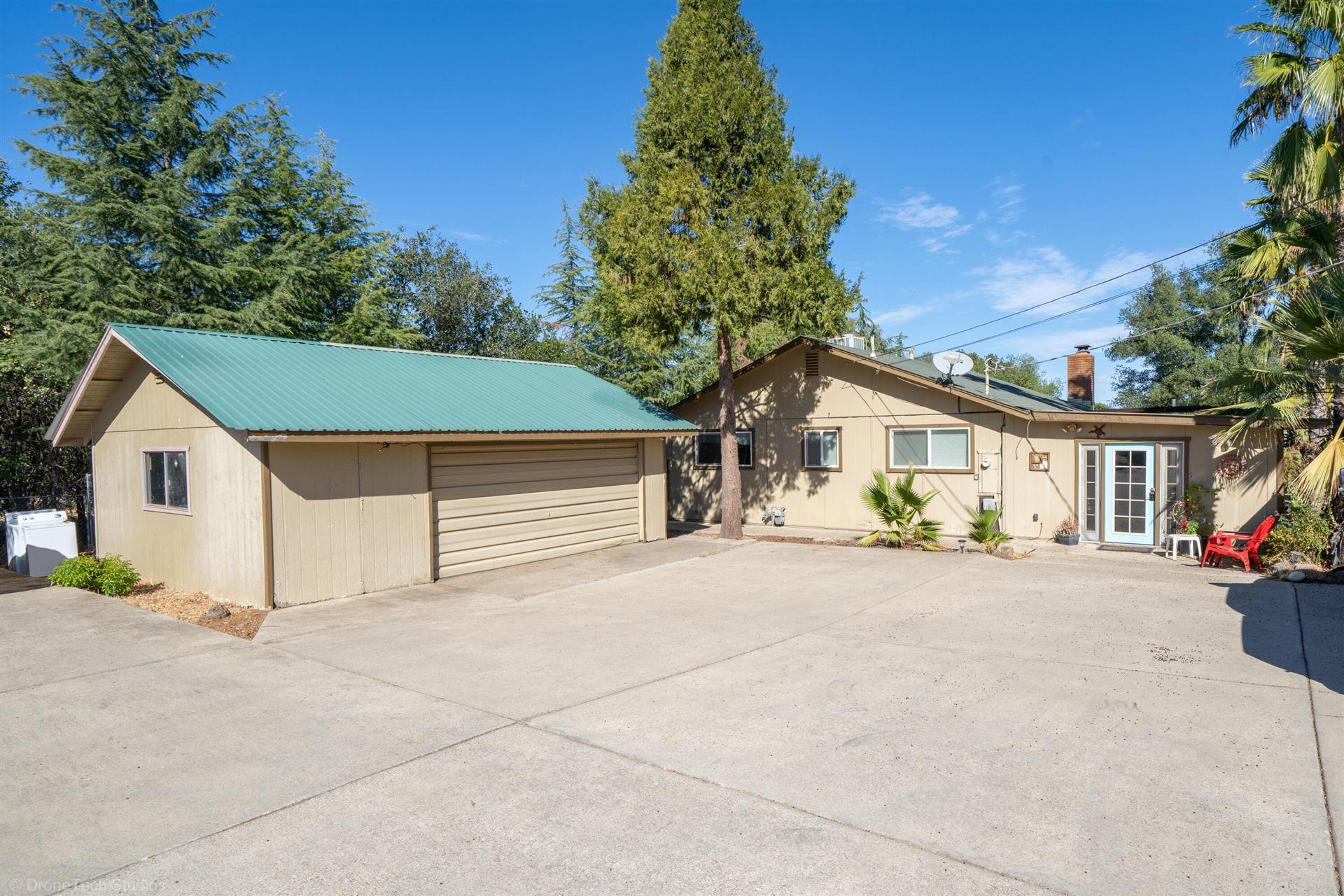 Photo of 20470 Hurst Ln, Redding, CA 96002 (MLS # 21-4909)