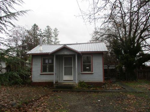 Photo of 185 Mountain View, Weaverville, CA 96093 (MLS # 20-922)