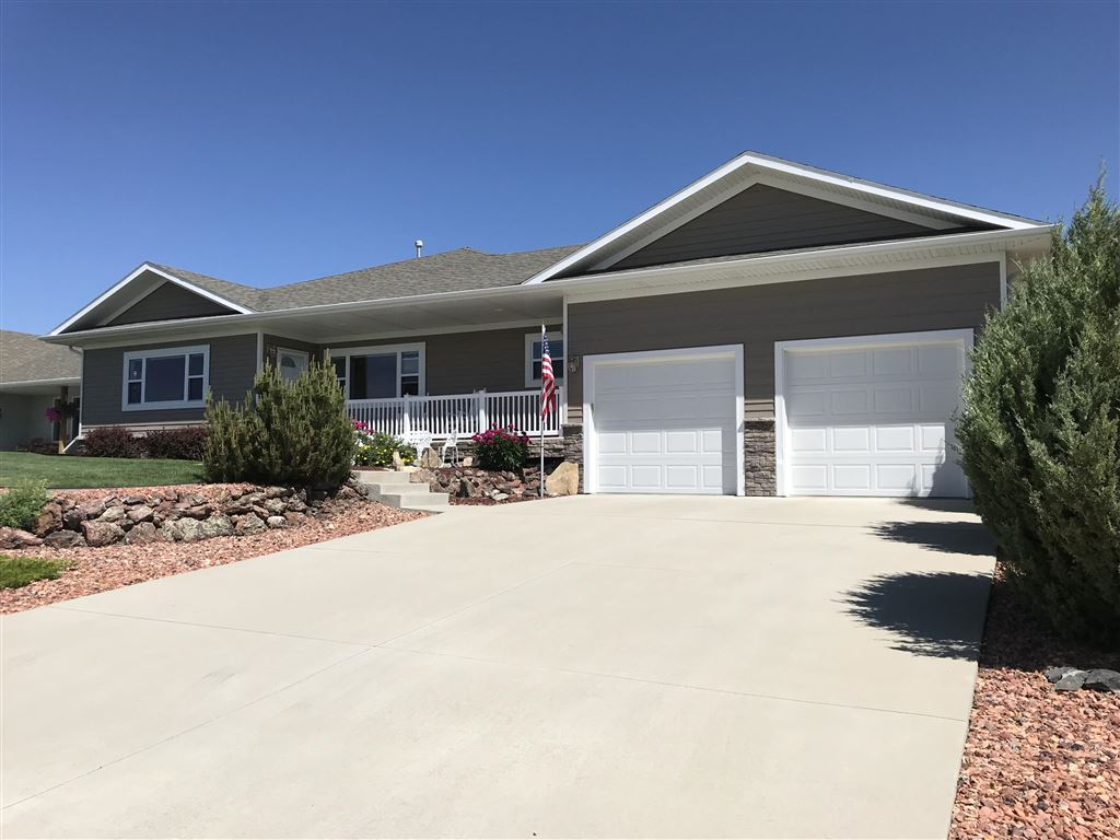 Photo for 512 N Pinnacle Drive, Buffalo, WY 82834 (MLS # 19-366)