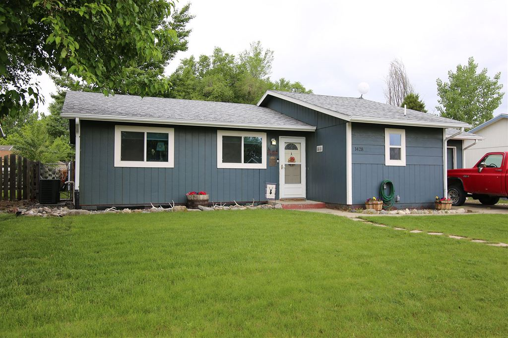 Photo for 1428 Holmes Avenue, Sheridan, WY 82801 (MLS # 19-565)