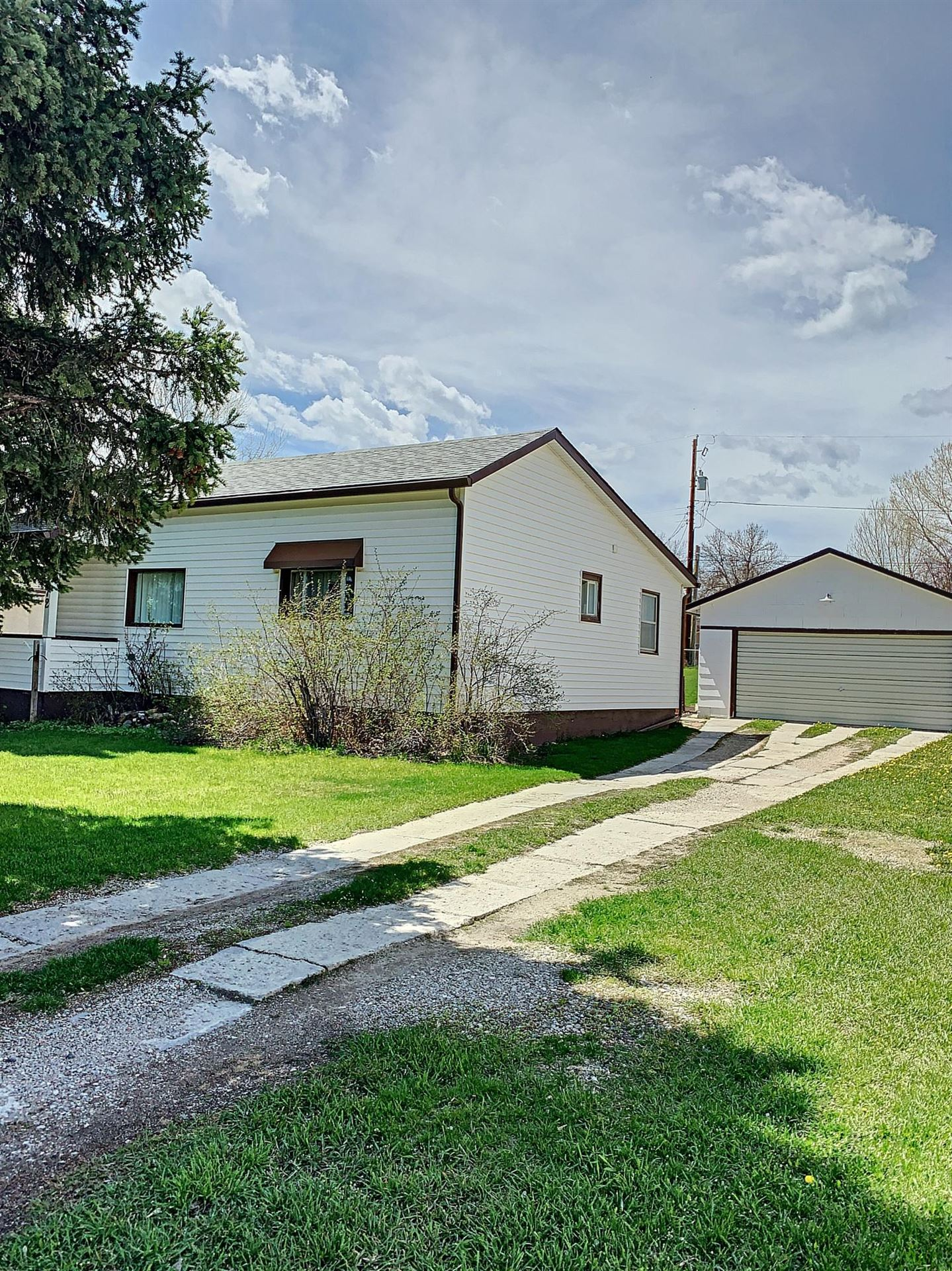 Photo for 872 N Adams Avenue, Buffalo, WY 82834 (MLS # 18-793)