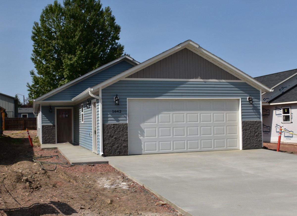Photo for 1642 Holmes Avenue, Sheridan, WY 82801 (MLS # 20-882)