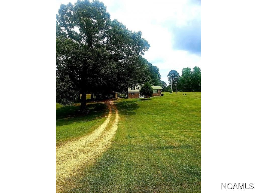 687 Lakewood Dr #B, Muscle Shoals, AL 35661 - #: 428007