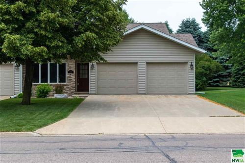 Photo of 733 4th Ave SE, Sioux Center, IA 51250 (MLS # 808022)