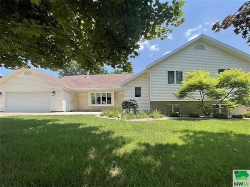 Photo of 1502 4th Ave SE, Sioux Center, IA 51250 (MLS # 814095)