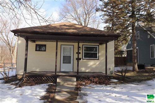 Photo of 1900 S Olive St, Sioux City, IA 51106 (MLS # 808109)