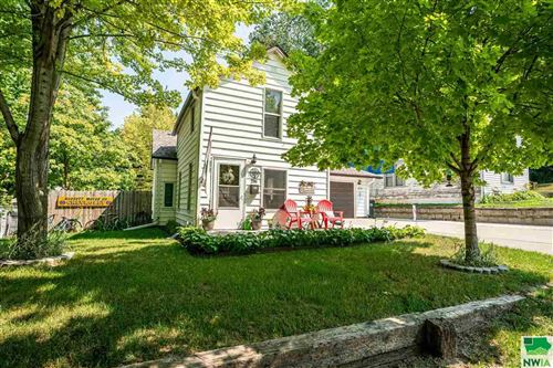 Photo of 2705 7th St, Sioux City, IA 51105 (MLS # 814118)