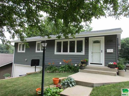 Photo of 2724 S Steele St, Sioux City, IA 51106 (MLS # 814131)