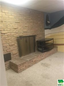 Tiny photo for 200 S 6th St, Akron, IA 51001 (MLS # 806132)