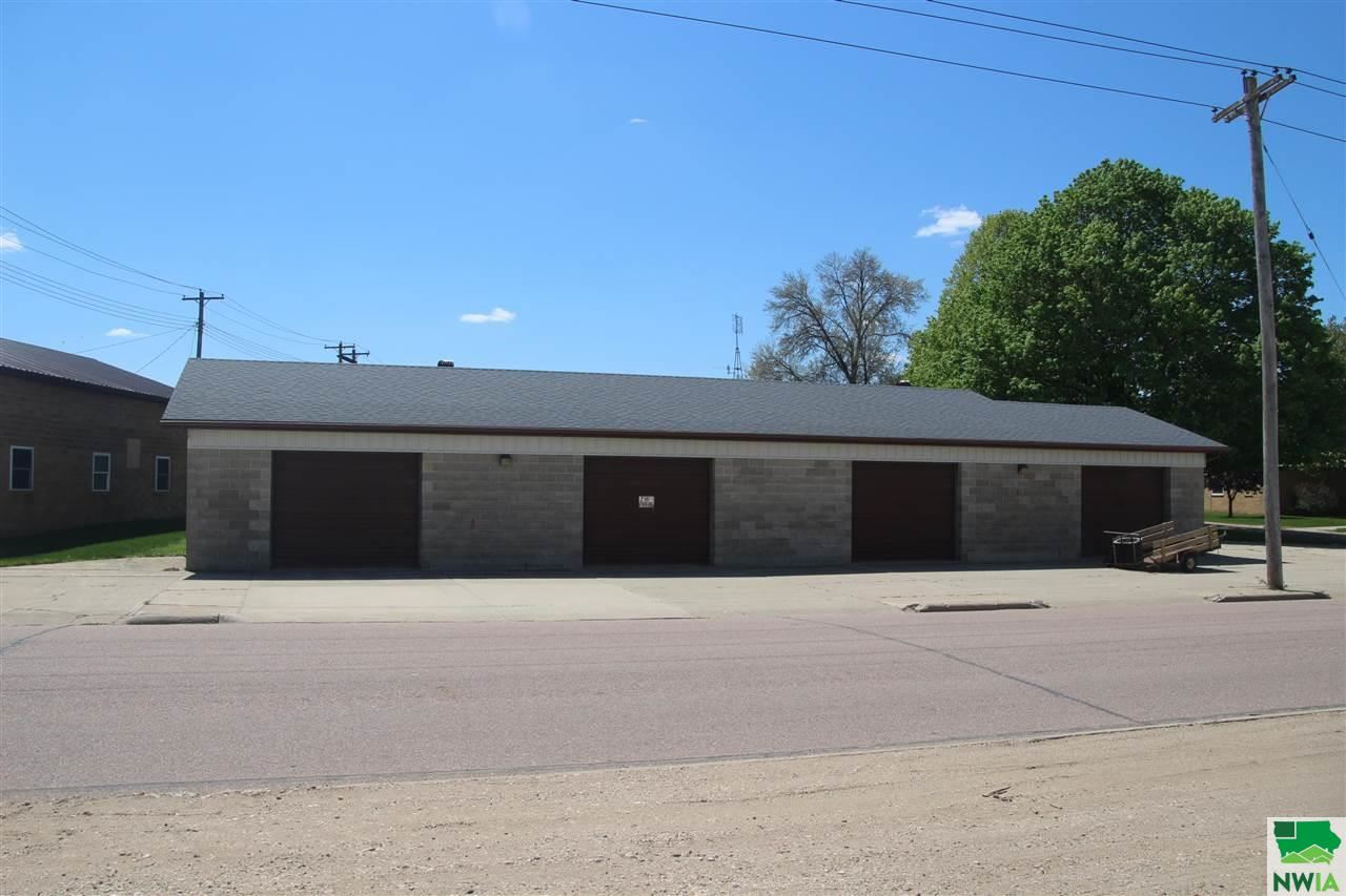 Photo for 101 Franklin Street, Remsen, IA 51050 (MLS # 813138)