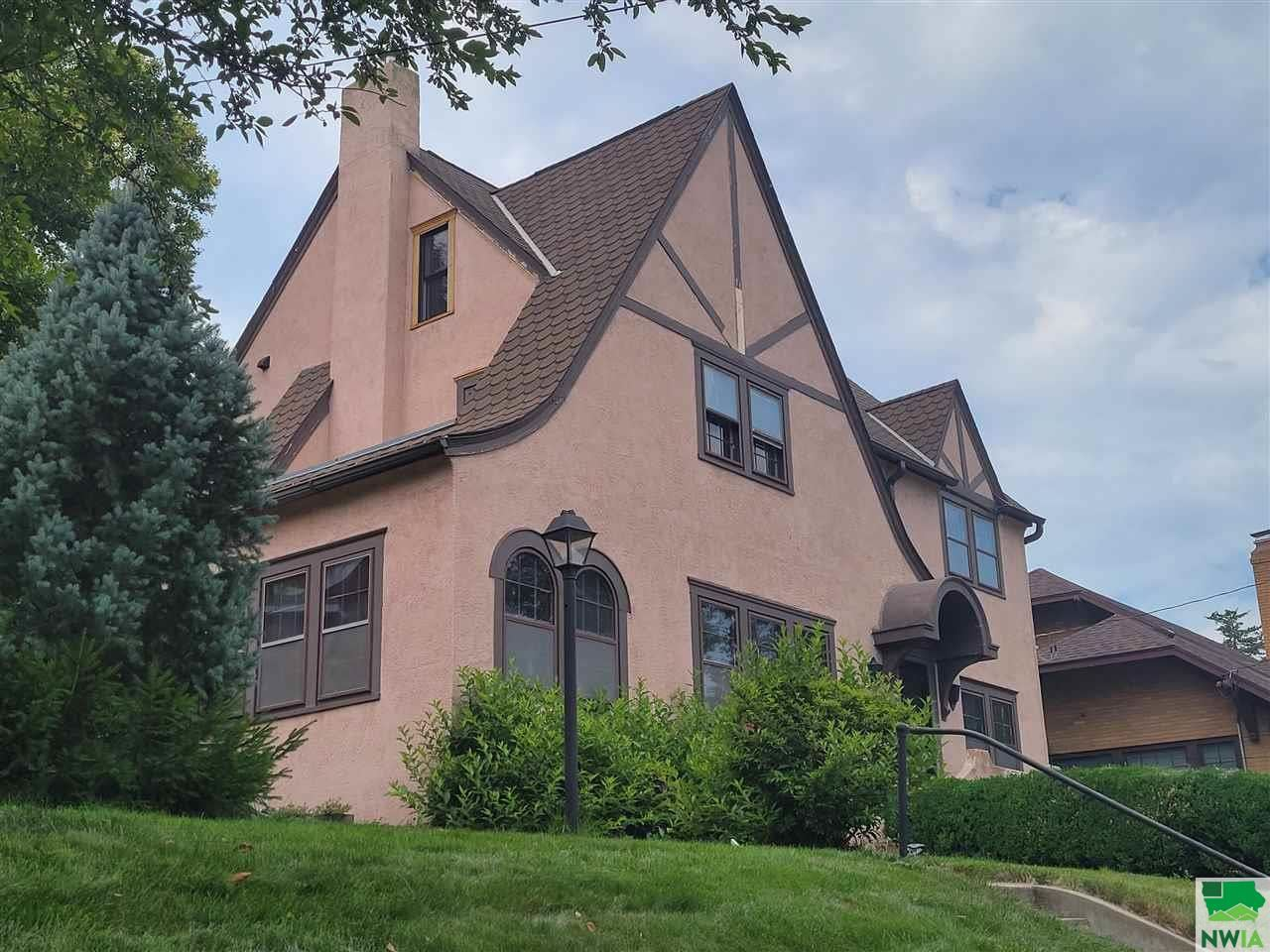 Photo for 2948 SUNSET CIR, Sioux City, IA 51104 (MLS # 814144)