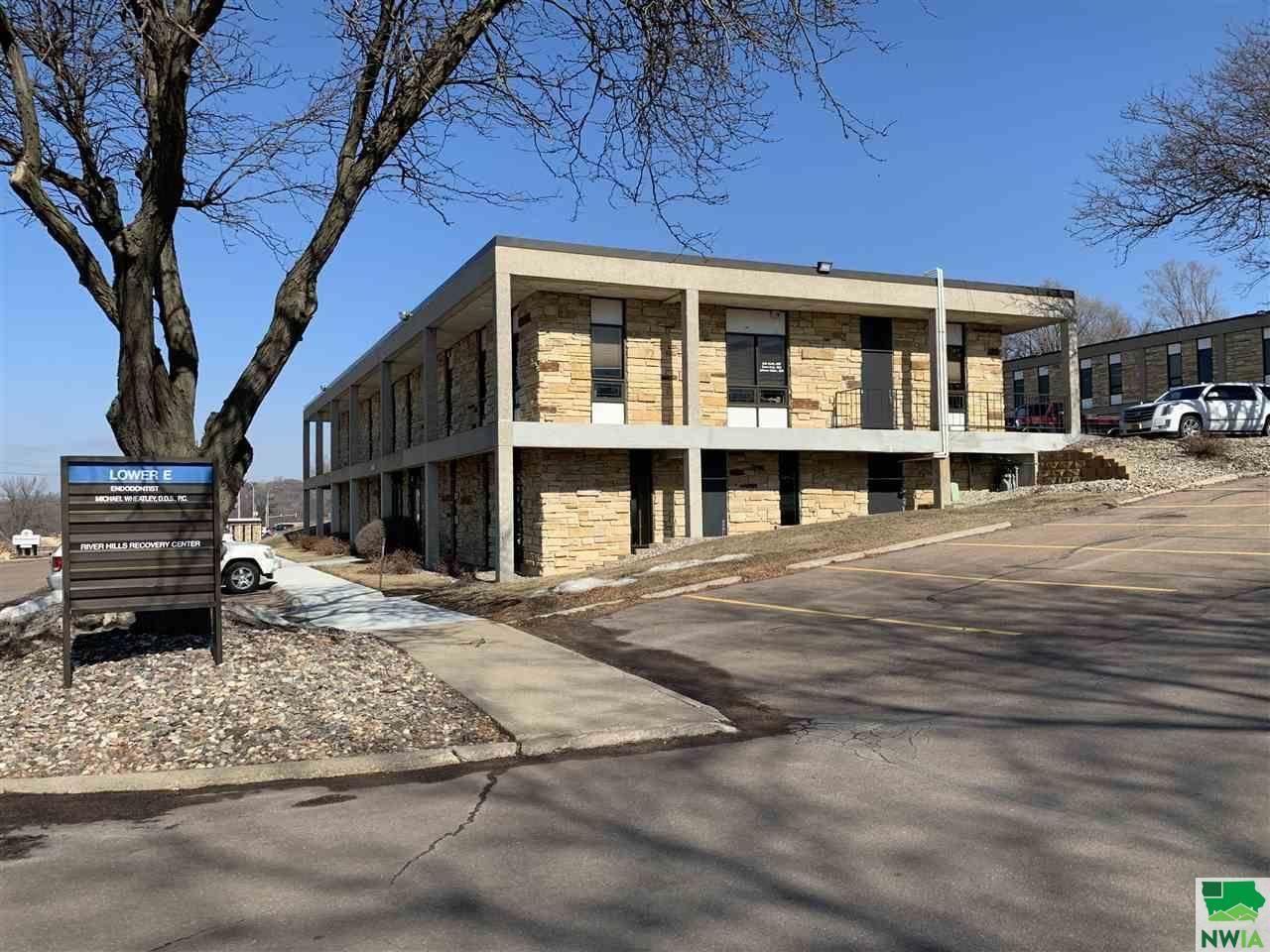Photo for 2928 Hamilton Blvd 102, Sioux City, IA 51104 (MLS # 808149)