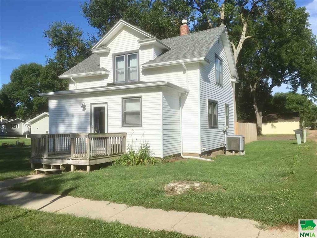 Photo for 207 S Franklin St, Elk Point, SD 57025 (MLS # 806166)