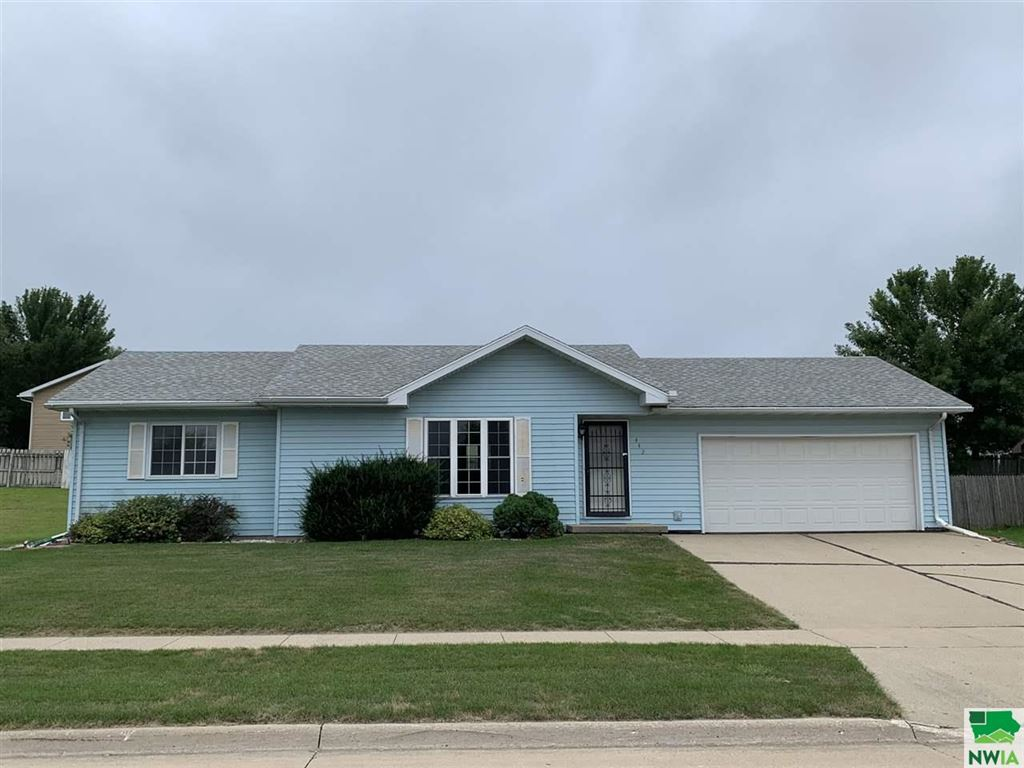 Photo for 442 16th St SW, LeMars, IA 51031 (MLS # 806180)
