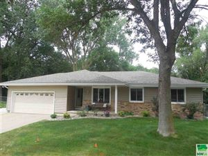 Photo of 3301 Chalet Court, Sioux City, IA 51106 (MLS # 806215)