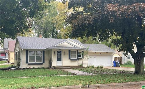 Photo of 42 5th Street SW, Sioux Center, IA 51250-1438 (MLS # 815238)
