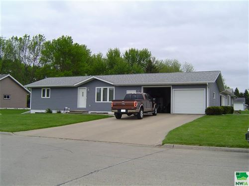Photo of 557 - 559 6th Street NW, Sioux Center, IA 51250-0000 (MLS # 809240)