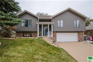 Photo of 4513 Pin Oak Ct, Sioux City, IA 51106 (MLS # 807246)