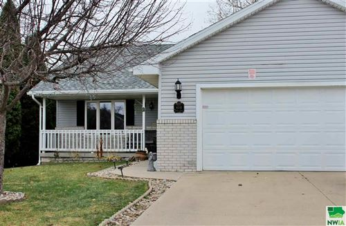 Photo of 400 Lenox Circle, Sioux City, IA 51103 (MLS # 807256)