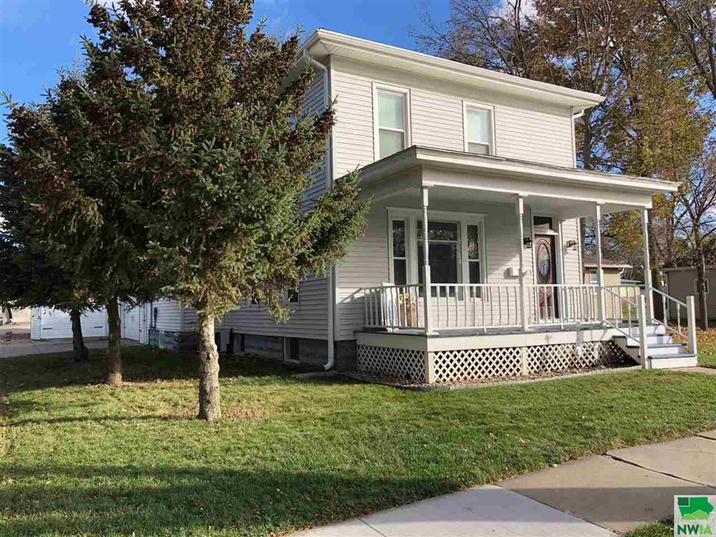 Photo for 114 6th Ave SW, LeMars, IA 51031 (MLS # 807273)
