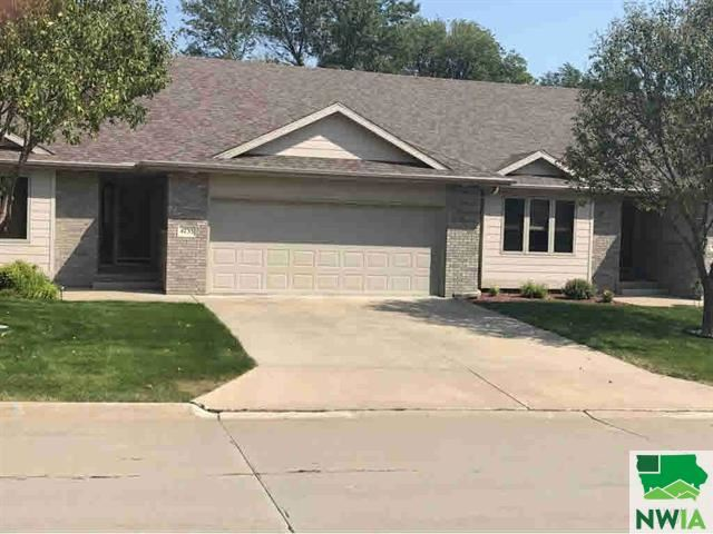 Photo for 4733 Brookshire Place, Sioux City, IA 51106 (MLS # 807276)