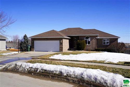 Photo of 4893 BRADFORD LN, Sioux City, IA 51106 (MLS # 812296)