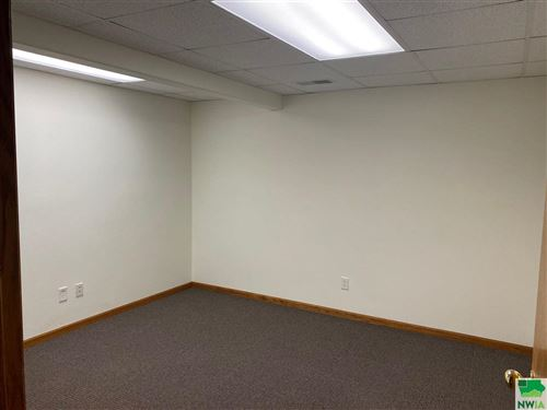 Tiny photo for 2018 B Indian Hills Dr, Sioux City, IA 51104-1602 (MLS # 813324)
