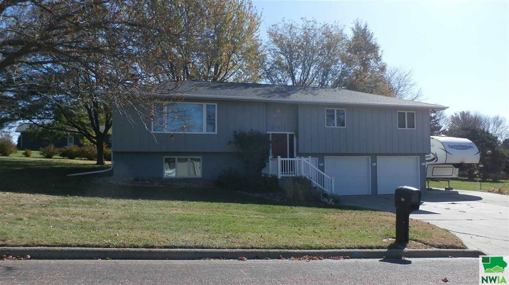 Photo for 201 Cambier Dr., Alton, IA 51003 (MLS # 807325)