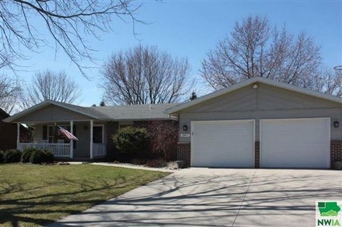 Photo of 267 11th Ave NE, Sioux Center, IA 51250 (MLS # 808343)