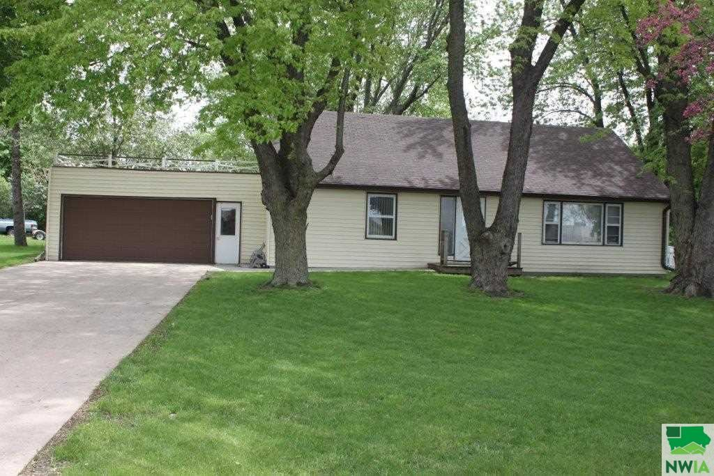 Photo for 1360 S Main Ave, Sioux Center, IA 51250 (MLS # 804358)