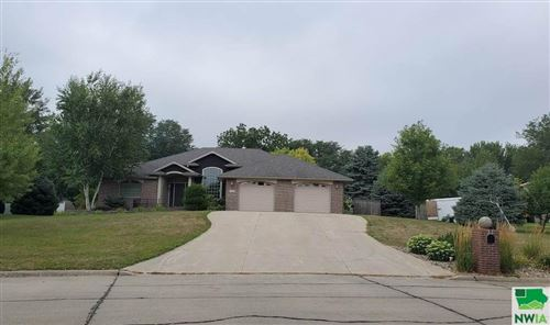 Photo of 1105 Eastside Drive, Sioux Center, IA 51250 (MLS # 810409)