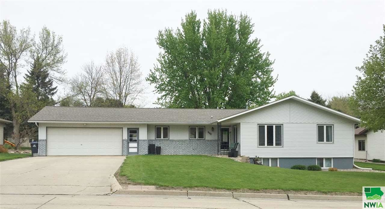Photo for 502 3rd Street SE, Sioux Center, IA 51250-2234 (MLS # 811411)
