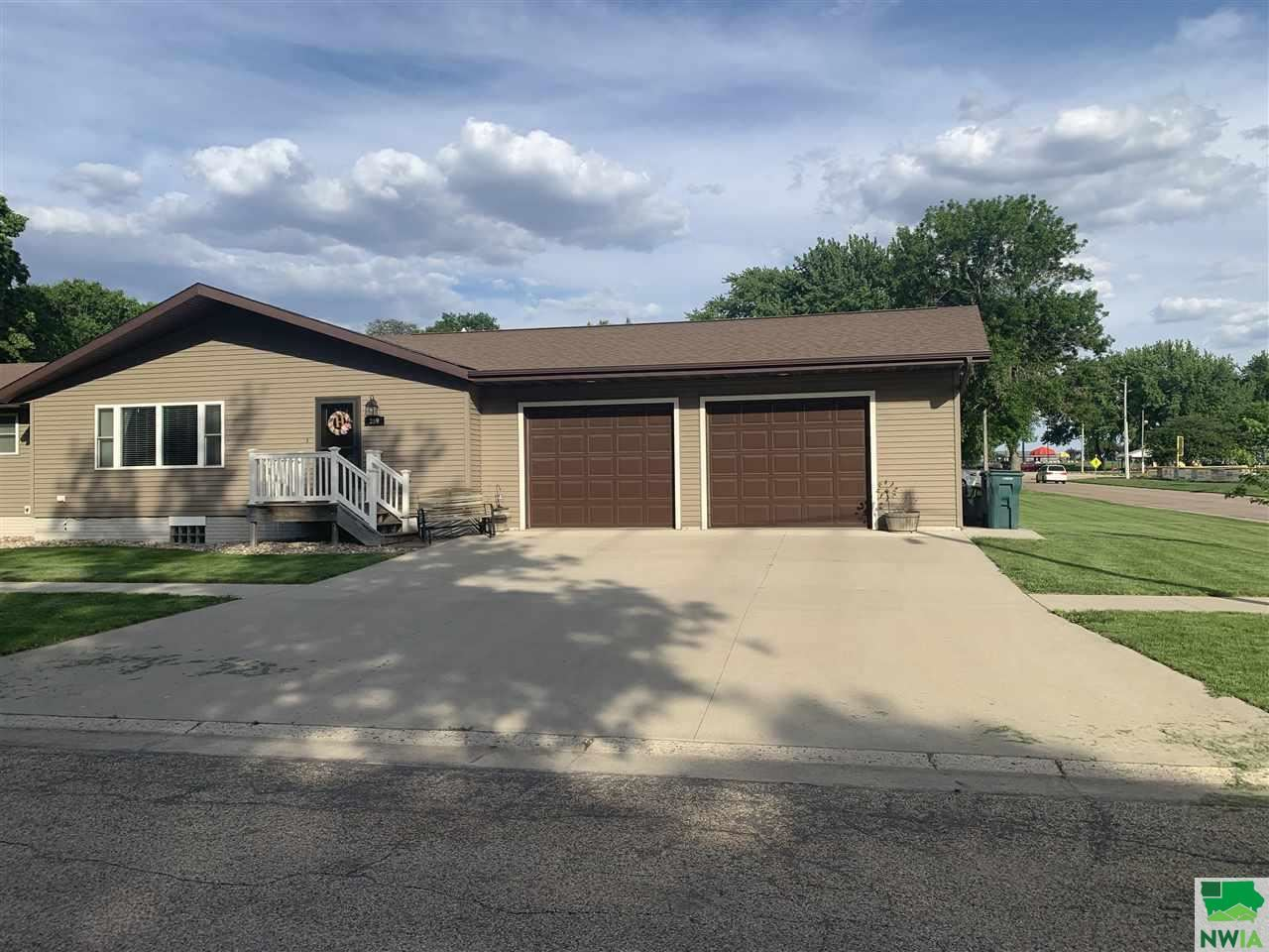 Photo for 309 S ave, Hospers, IA 51238 (MLS # 813427)
