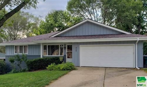 Photo of 4159 Sherwood Terrace, Sioux City, IA 51106 (MLS # 808434)