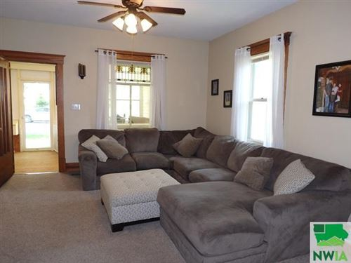 Tiny photo for 105 2nd Avenue NE, Sioux Center, IA 51250 (MLS # 813436)
