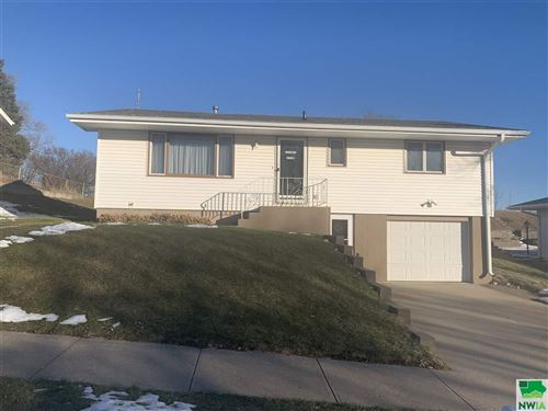 Photo of 3112 S Oleander St, Sioux City, IA 51106 (MLS # 807462)