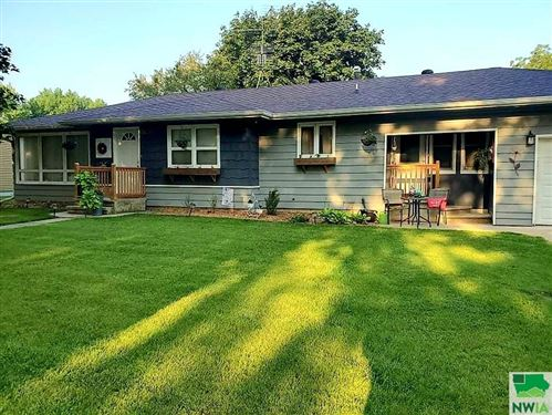 Photo of 1407 Division St., Hull, IA 51239 (MLS # 814484)