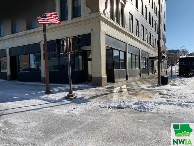 Photo for 700 Pierce Street, Sioux City, IA 51101 (MLS # 808489)