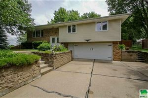 Photo of 5111 Stone Ave, Sioux City, IA 51106 (MLS # 805496)