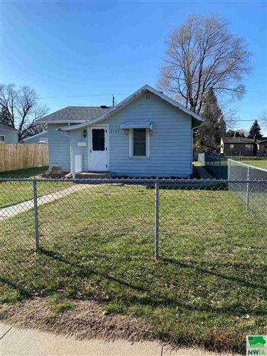 Photo of 2127 Dewey St, Sioux City, IA 51109 (MLS # 811503)