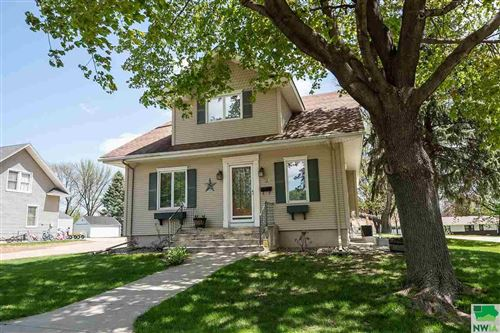 Photo of 526 1ST AVE SE, Sioux Center, IA 51250 (MLS # 808529)